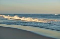 Заход солнца пляжа банков Северной Каролины наружный стоковые фото