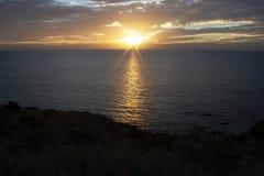 Заход солнца пляжа бухты Hallett Стоковое Изображение RF