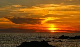 Заход солнца пляжа в Португалии стоковые изображения rf