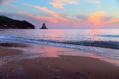Заход солнца пляжа Греции стоковое фото rf