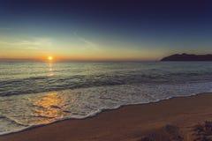 Заход солнца пляжа моря Стоковое Изображение RF