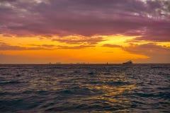Заход солнца пляжа острова Isla Mujeres карибский Стоковые Изображения RF