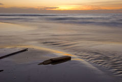 заход солнца пляжа стоковые фотографии rf
