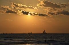 заход солнца пляжа ashdod Стоковые Изображения RF