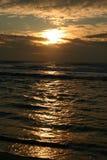 заход солнца половинной луны залива Стоковое Изображение