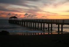 заход солнца пристани Гавайских островов hanalei залива красивейший Стоковые Изображения