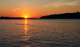 заход солнца реки Миссиссипи Стоковая Фотография RF
