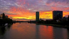Заход солнца реки основы Франкфурта Стоковое Изображение