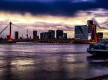 Заход солнца Роттердама моста Willems стоковое изображение rf