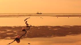 заход солнца рыболовства шлюпки Стоковые Изображения