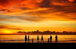 заход солнца семьи Стоковая Фотография