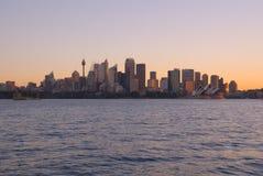 заход солнца Сидней гавани города Стоковые Фотографии RF