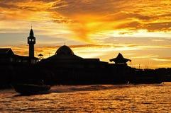 заход солнца силуэта города Стоковое Изображение RF