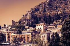 Заход солнца Сицилии, взгляд Taormina от Parco Colonna стоковая фотография rf