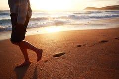заход солнца следов ноги Стоковые Изображения RF