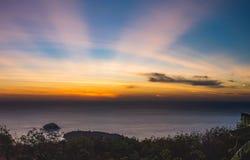 Заход солнца с лучами солнца Стоковое Изображение
