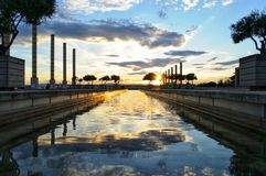 Заход солнца с отражением воды стоковые фотографии rf