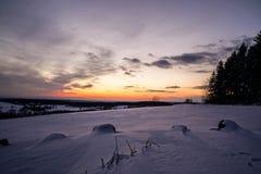 Заход солнца с утесами стоковое изображение rf
