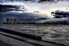 Заход солнца темный Роттердам стоковые фото