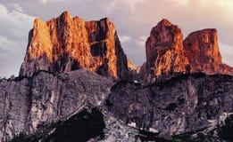 заход солнца французских гор chamonix alps утесистый доломит Альпы Стоковые Изображения