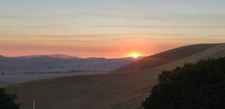 Заход солнца холмов Ливермор стоковое изображение