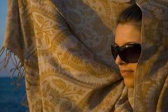 заход солнца шарфа красотки Стоковая Фотография RF
