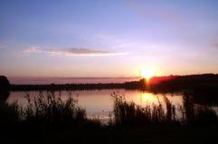 Заход солнца 1 озера стоковые изображения rf