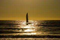 заход солнца 4 парусников Стоковое Изображение RF