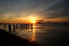 Заход солнца Belitung - восхищать заход солнца вдоль пляжа Стоковая Фотография
