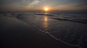 заход солнца darwin casuarina пляжа стоковое фото