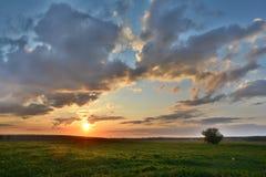 Заход солнца HDR стоковое изображение rf
