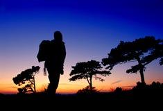 заход солнца hiker Стоковые Изображения RF