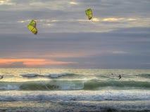 Заход солнца Kiting Стоковые Фотографии RF