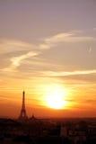 заход солнца paris района effel Стоковые Фотографии RF