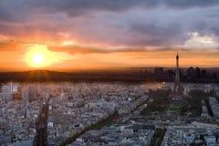 заход солнца paris Стоковые Фотографии RF