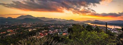 Заход солнца, prabang luang, Лаос Стоковое Изображение