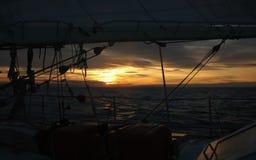 заход солнца sailing Стоковое Фото