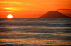 заход солнца stromboli Стоковое Изображение