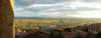 заход солнца tuscan панорамы Стоковое фото RF