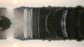Заход солнца Victoria Falls с нереальным отражением акции видеоматериалы