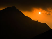 заход солнца гор Стоковое Изображение RF
