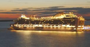 Заход солнца туристического судна Стоковое Изображение RF