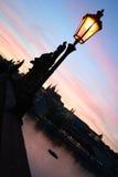 заход солнца charles моста яркий Стоковые Изображения RF