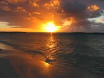 заход солнца ouvea caledonia новый Стоковое Фото