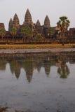 Заход солнца, башни gopura Angkor Wat Стоковое Фото