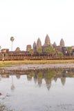 Заход солнца, башни gopura Angkor Wat Стоковое фото RF