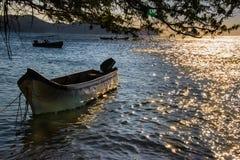 Заход солнца в атлантическом побережье Стоковые Изображения RF