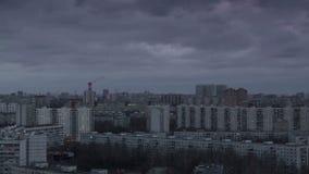 Заход солнца в большом timelapse города видеоматериал