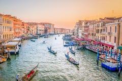 Заход солнца в Венеции, канале большом стоковое изображение