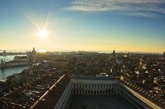 Заход солнца в виде с воздуха Венеции над аркадой Сан Marco Стоковое Изображение RF